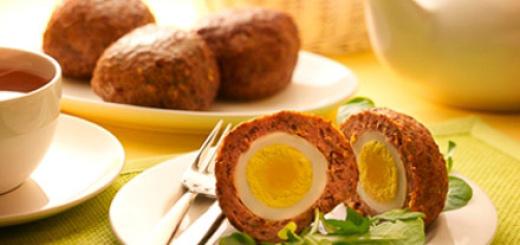 Gehaktbal van kip met ei