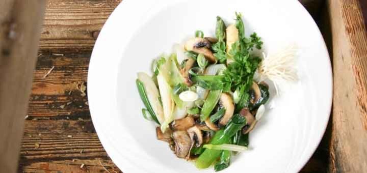 recept groene asperges roerbakken